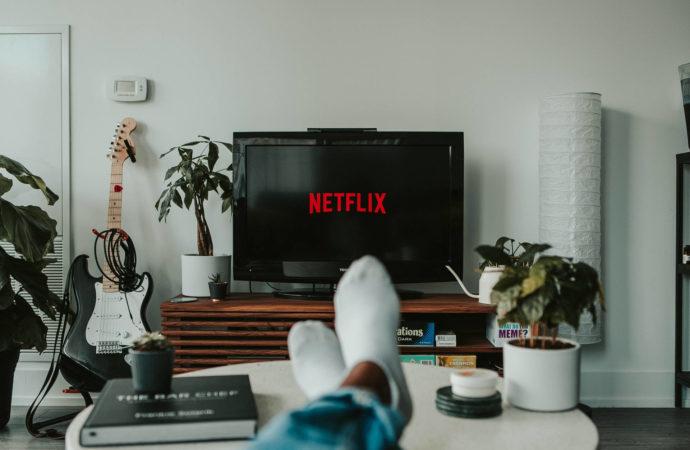 Czy Netflix uruchamia własną telewizję?